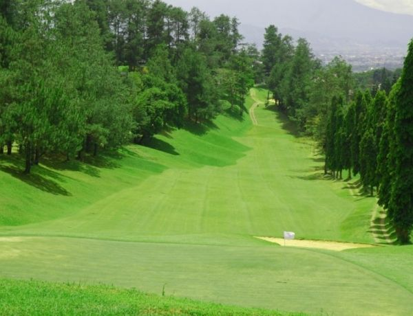3 Days 2 Nights 2 Rounds Bandung Golf Package  (Amber Package)
