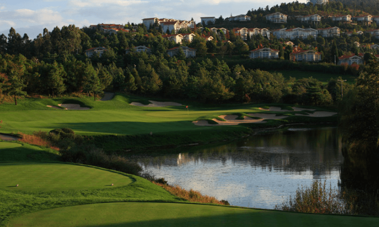 Spring City Golf & Lake Resort Mountain Course Lake Course  (Kunming)