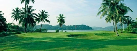 4 Days 3 Nights 2 Rounds Kuching Golf Package  (Wood Package)