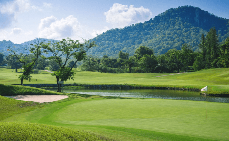 Khao Kheow Country Club  (Pattaya)