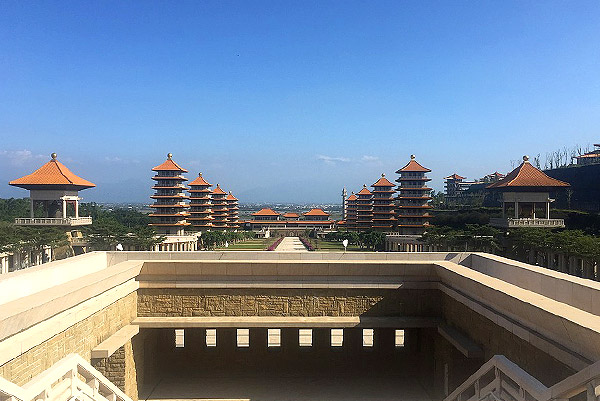 Fo Guang Shan Buddha Memorial Center 7 Days 6 Nights Taipei, Hsinchu, Taichung, Nantou + Yilan Taiwan Holiday Tour From Singapore (Grateful Package)