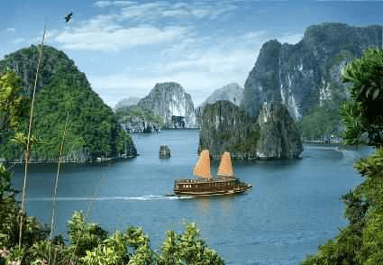 Vietnam Hanoi, Ha Long Bay + Sapa