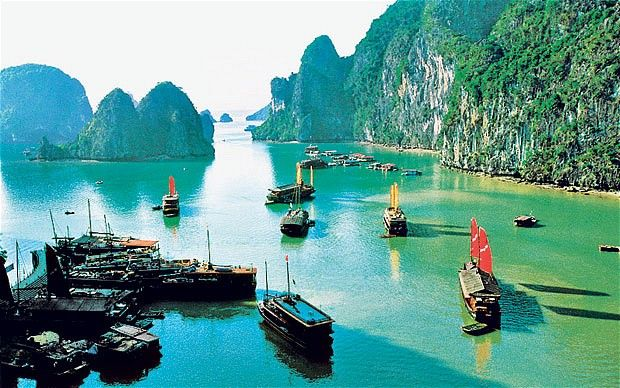Vietnam Hanoi + Ha Long Bay